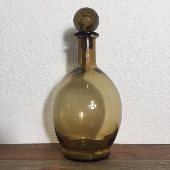 Vintage amber glass bottle decanter w. lid